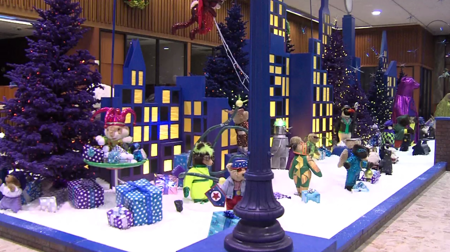 Bmo Harris Christmas Display 2020 BMO Harris Bank's superhero themed holiday display opens in