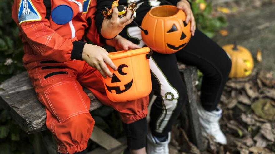 Halloween 2020: Walworth County Wi. Trick-Or-Treat Times Southeast Wisconsin Trick or Treat times for Halloween 2019 🎃
