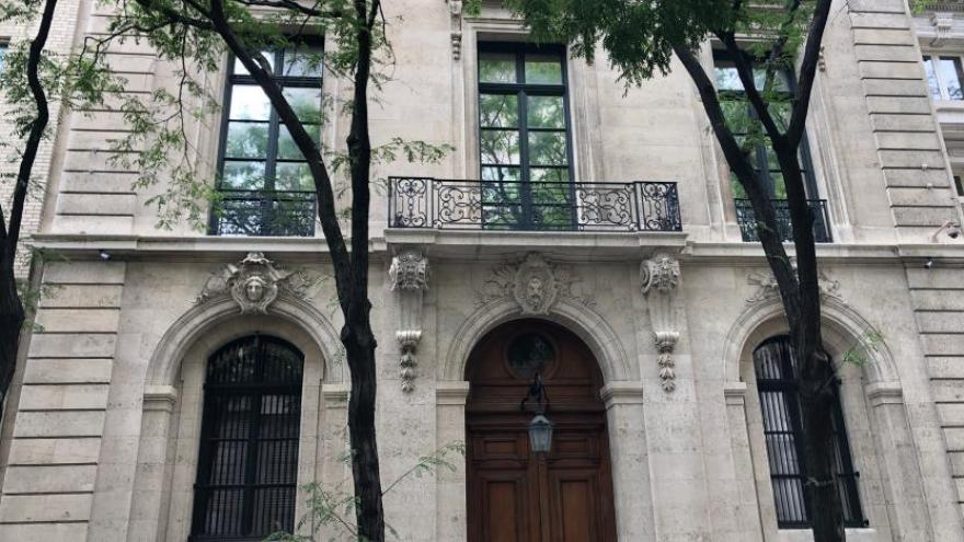 Jeffrey Epstein S Homes In New York And Palm Beach Are For Sale For A Combined 110 Million