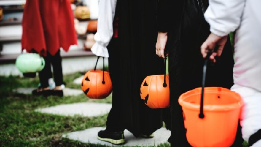 Halloween 2020: Walworth County Wi. Trick-Or-Treat Times Trick or treat hours rescheduled in SE Wisconsin due to inclement